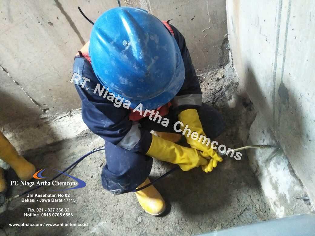 Aplikator Perbaikan Bocor Pada Beton