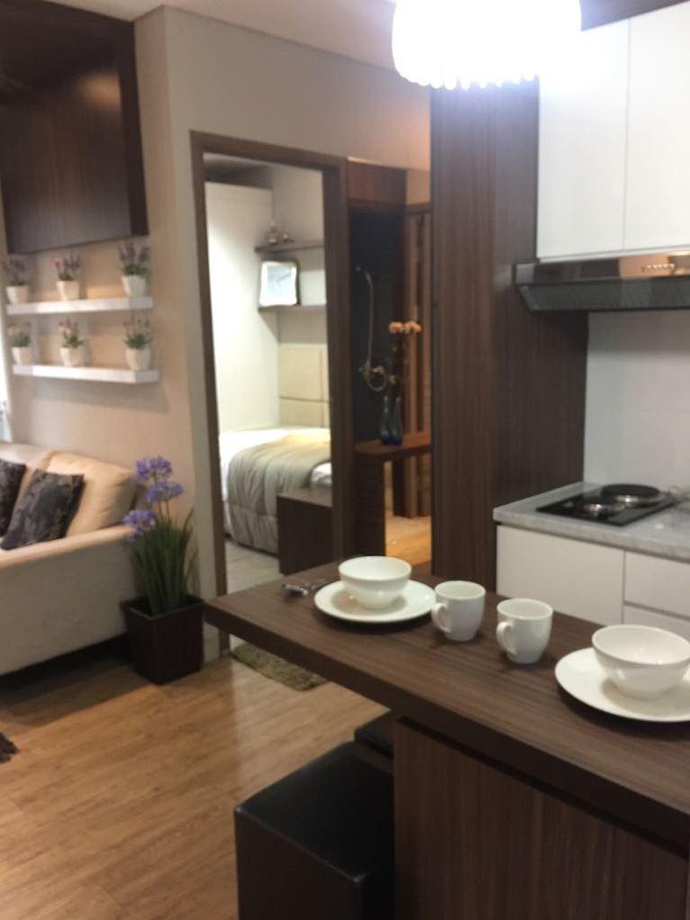 Lantai Parkit Area Apartement