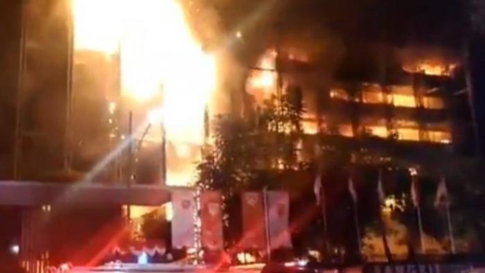 Gedung Kejaksaan Agung Dilahap Api